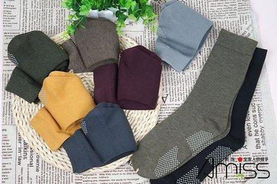 品名: 中長筒成人襪-保暖襪-休閒襪-腳底防滑-混紡棉(顏色隨機) J-13580