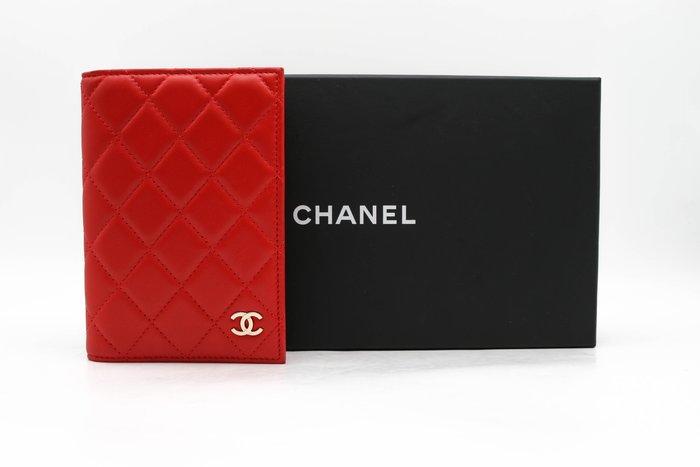 【青蘋果】Chanel 香奈兒 經典羊皮 菱格紋 護照夾 二手 精品#43706