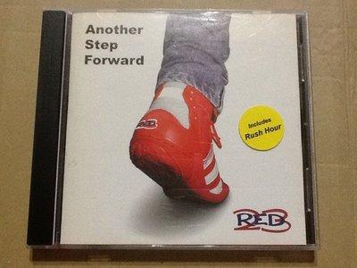 ~拉奇音樂~  Red 23 樂團 Another Step Forward 二手保存良好片況新 附貼紙 (團)