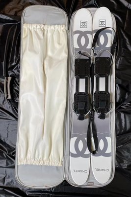 收藏款 Vintage Chanel 運動系列滑雪板 含袋