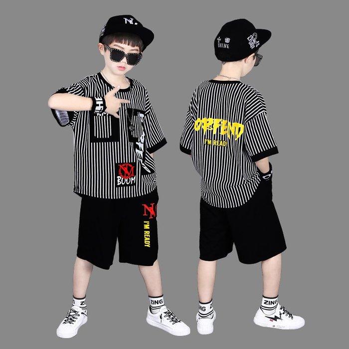 •*~ 辣媽咪衣飾小舖 ~*•❤童裝系列📣K360209韓版大童夏款酷炫帥氣潮個性短袖上衣+短褲套裝