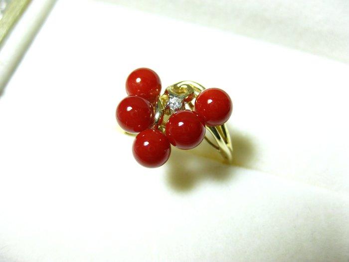 【Texture & Nobleness 低調與奢華】天然紅珊瑚 5-5.5MM正圓5顆 配鑲天然真鑽 純手工18k戒指