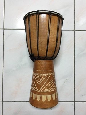【華邑樂器54704-2】40cm羊皮非洲鼓-手工雕刻款 (鼓面21X高40 Djembe Drum 金杯鼓)