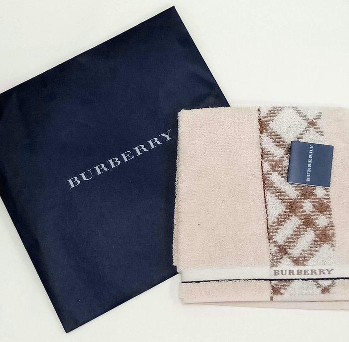 【姐只賣真貨】BURBERRY 咖啡格紋邊時尚領巾手帕方巾25*25CM 父親節88節禮物