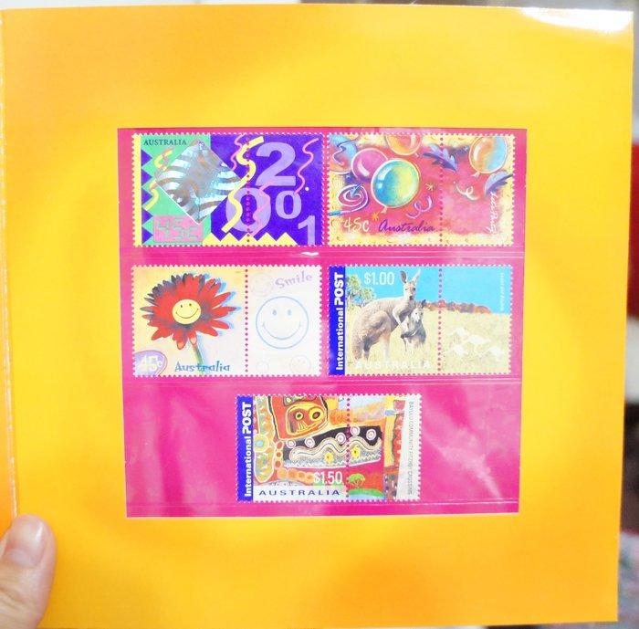 (全新) 澳洲 2001 -Color My Day -套票護卡(郵票)