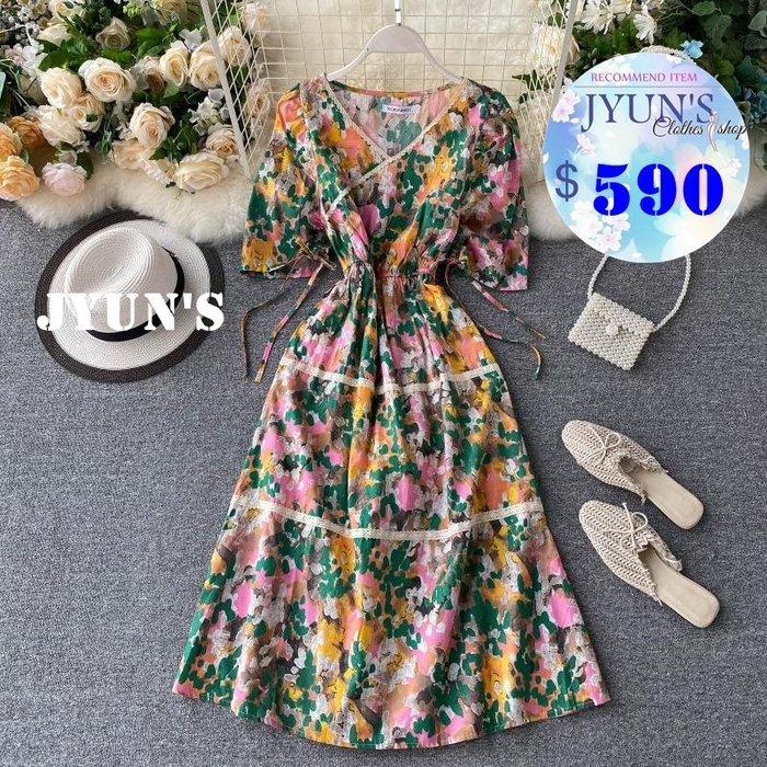 JYUN'S 春夏新款甜美減齡V領收腰顯側腰綁帶口袋顯瘦森林印花裙子短袖洋裝連身裙 2色 預購