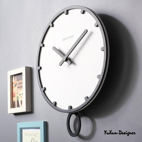 現代簡約風黑白歐式靜音鐘 直徑30CM時鐘 創意造型掛鐘 時尚家居創意鐘錶 靜搖擺鐘 原創品牌 現貨§宥薰設計家