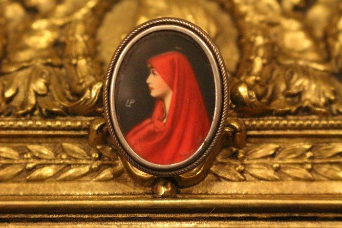 【家與收藏】特價極品稀有珍藏歐洲百年古董法國19世紀貴族肖像精緻手繪琺瑯微型畫袖珍胸針5