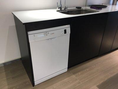 【元盟電器】台中專賣、BOSCH博世 13人份獨立式洗碗機(SMS53E12TC)展示中