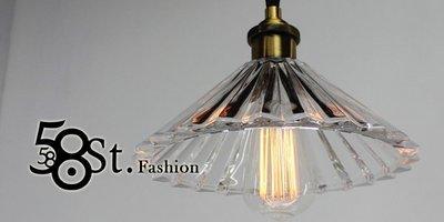 【58街】設計師新款式「折傘玻璃吊燈」...