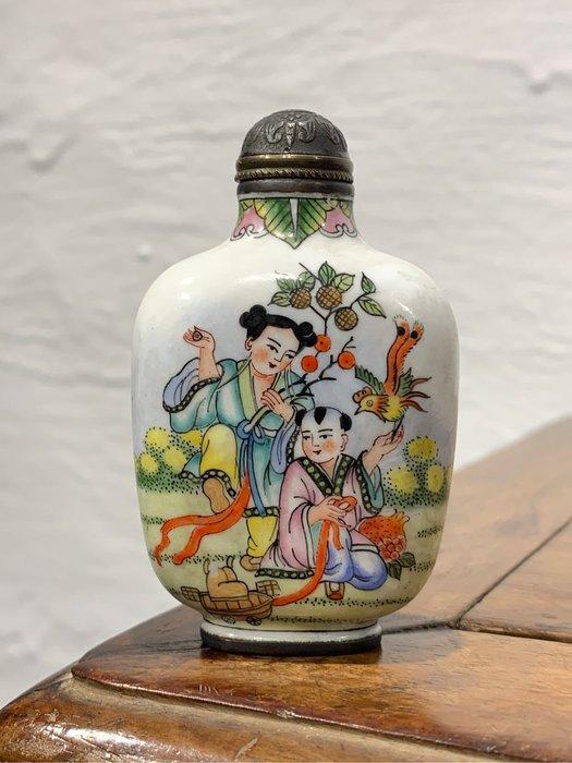 【緣古】老件 乾隆年製款 銅胎手繪琺瑯彩鼻煙壺