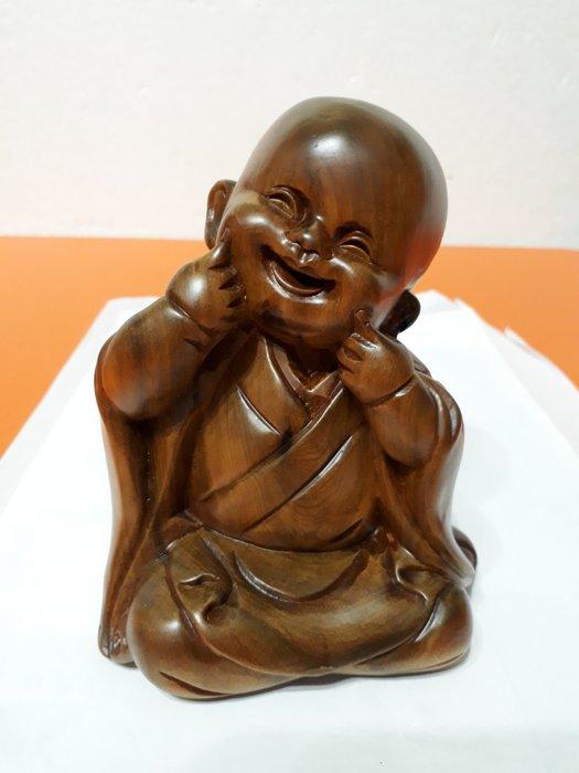 【九龍藝品】肖楠木 ~ 小 沙 彌 ~ 重油.折花【3】