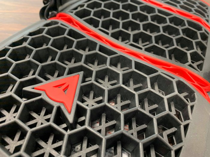 【松部品】義大利 Dainese Pro Armor Back 丹尼斯 護背 蜂巢 Lev2 競賽等級 人體工學