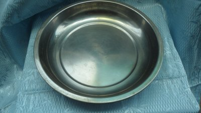 黑色小館~~4F20~~~不鏽鋼圓鐵盤(約直徑29公分.高5公分)