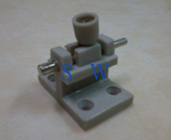 HE802 落地門門 802型(塑膠材質-鎖心鐵製) 氣密窗閂 氣密門閂 栓座 高閂 高腳門閂 門栓 高閂 小橫閂 五金