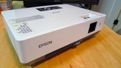 EPSON EMP-1710 LCD液晶投影機,露營專用機含遙控器~