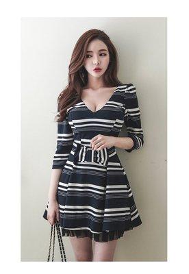 日韓服飾*條紋蝴蝶結連身洋裝*韓國連線...