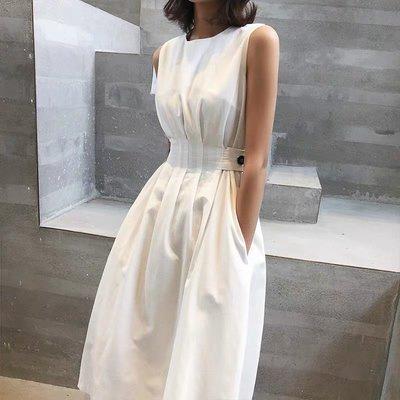 . NL Select Shop .心機收腰 設計師款 背心裙 白色無袖洋裝 連身裙 黑色小禮服 渡假 一字領 白襯衫