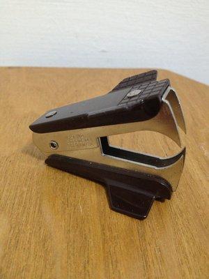 *美國帶回+拍賣獨家*美國製ACE 釘書針拔釘器 Stapler Remover