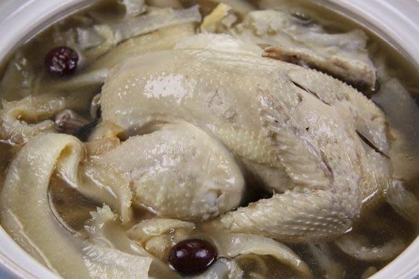 【滋補養生系列 】鳳勾魚翅雞湯~ 真材實料一斤的鳳勾翅自己加~一級棒的全雞人蔘湯底~