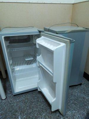 二手單門小冰箱數台 七成新