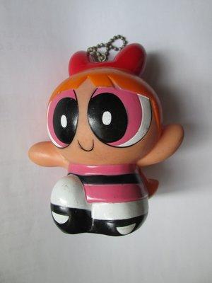 (飛天小女警The Powerpuff Girls) 花花(Blossom)硬質塑膠玩偶存錢筒吊飾 /高約10公分