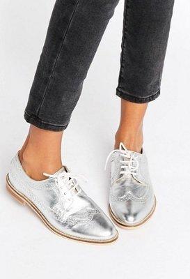 ◎美國代買◎ASOS代買巴洛克雕花尖楦頭鞋帶設計木頭鞋底英倫紳士雅痞風牛津鞋~歐美街風~大尺碼