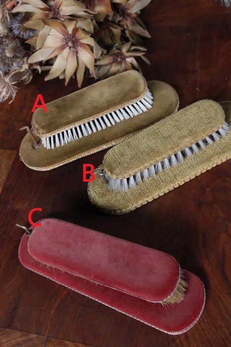 比利時 壁掛大衣刷/鞋刷 歐洲古董老件(03_C-06-11)【小學樘_歐洲老家具】