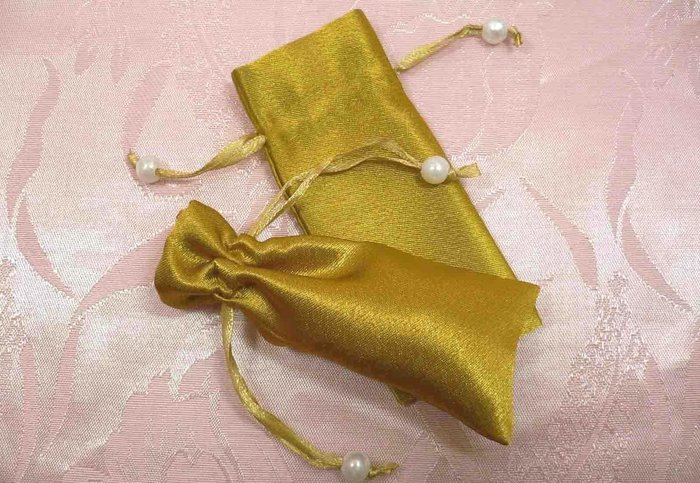 買100個送50個~4.5x10cm白色珍珠緞布袋~圖章印章護脣膏飾品包裝袋~結婚禮小物二次進場聖誕節送客禮贈品束口袋