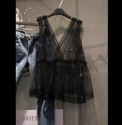 背心新款時尚韓版百搭V領蕾絲裙擺吊帶打底背心女蕾絲衫外穿—莎芭