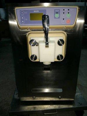 達慶餐飲設備 八里二手倉庫 二手設備 SANYO SSF-M160PN 桌上型霜淇淋機