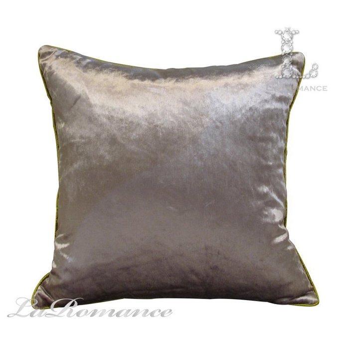 【芮洛蔓 La Romance】現代時尚系列淺紫色絨布素色抱枕 / 靠枕 / 靠墊 / 方枕