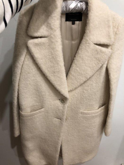 Massimo Dutti 白毛大衣 50%羊毛16%羊駝