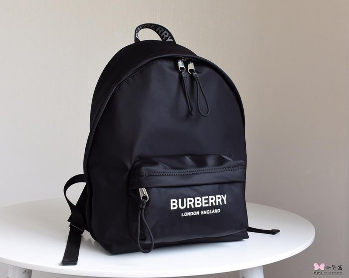 【小黛西歐美代購】Burberry 巴寶莉 2019款 字母LOGO 尼龍雙肩包 歐美時尚 美國outlet代購