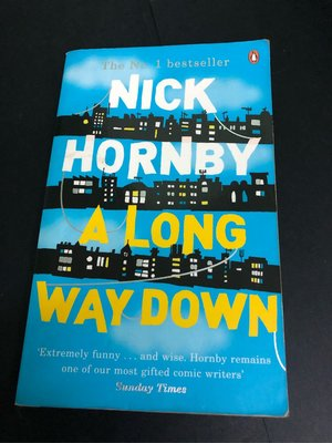 English book 📚 NICK HORNBY A LONG WAY DOWN 256 pages story 學英文 旅遊 故事書