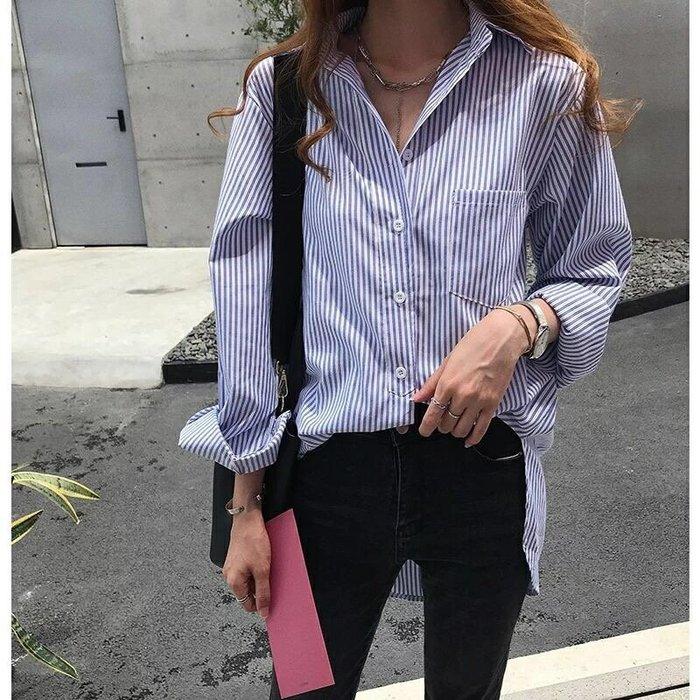 周董的店 Behind you自訂款 藍直條紋寬鬆口袋襯衫