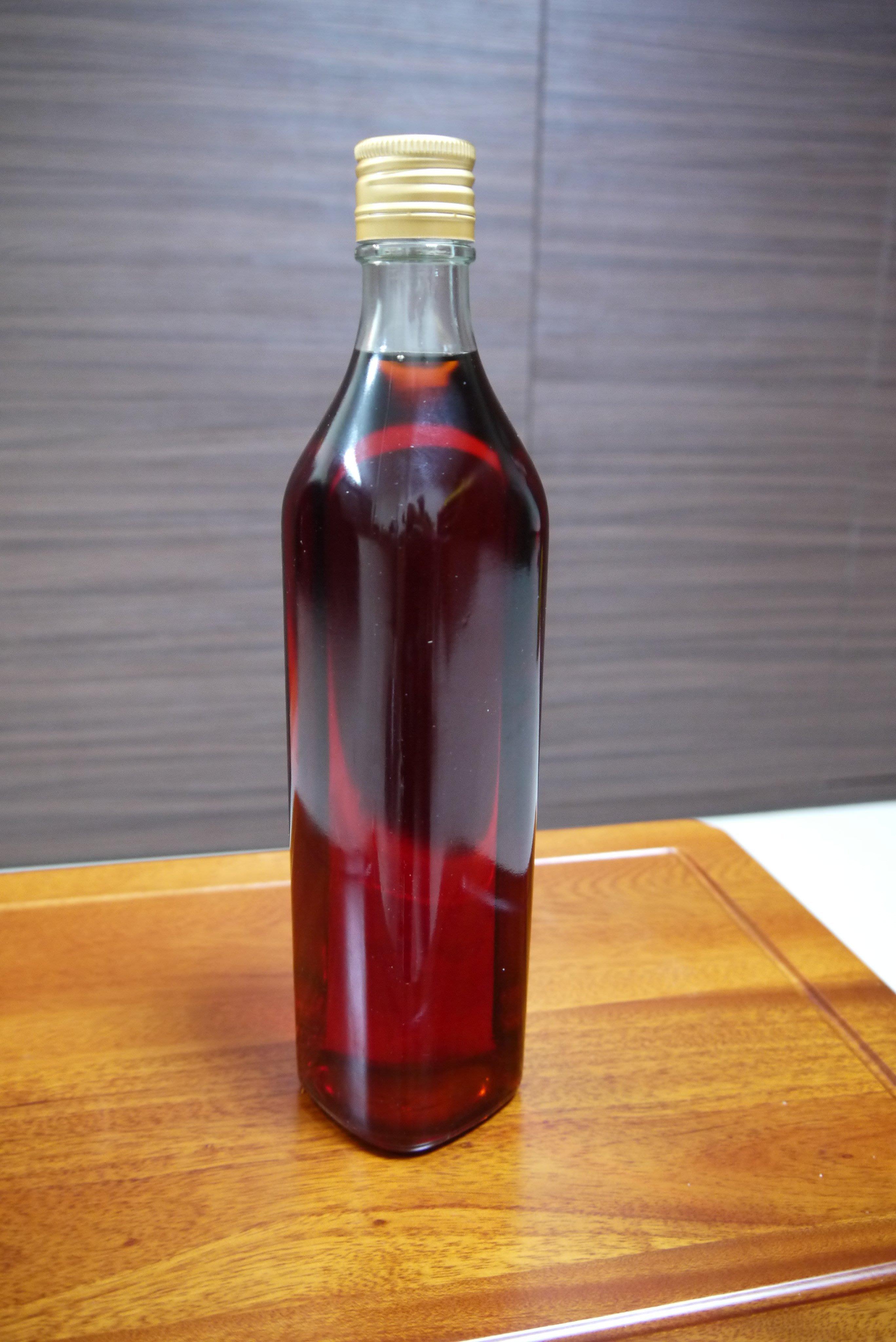 台灣純天然500cc高溫紅檜木精油 (特價~特價~特價)