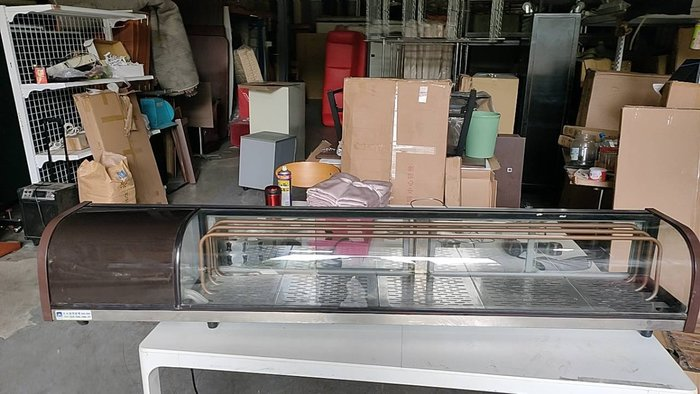 二手家具全省估價(大台北冠均 五股店)二手貨中心--桌上型圓弧冷藏展示櫃 生魚片冰箱 日本料理台 IC-060795