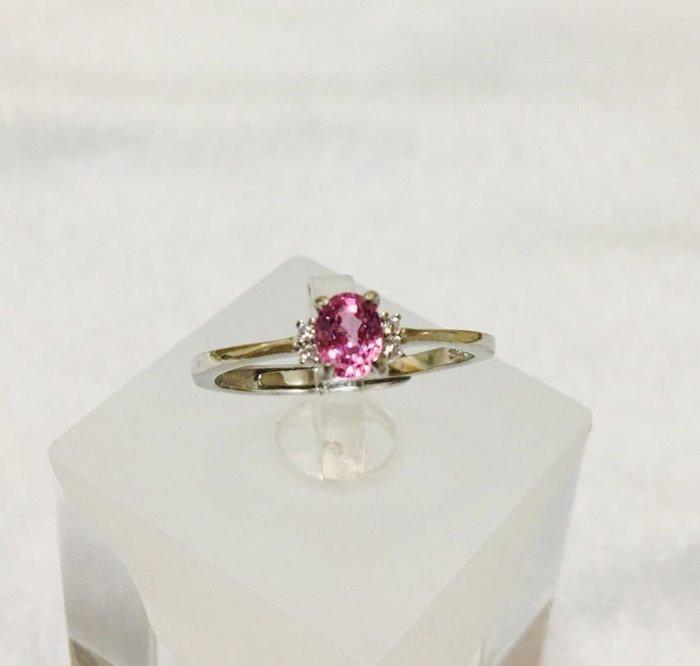 珍奇翡翠珠寶首飾-戒指系列055-天然粉紅色藍寶石,濃郁櫻花粉色,乾淨迷人,火光最爆閃,搭配簡單925銀白k鋯石戒台