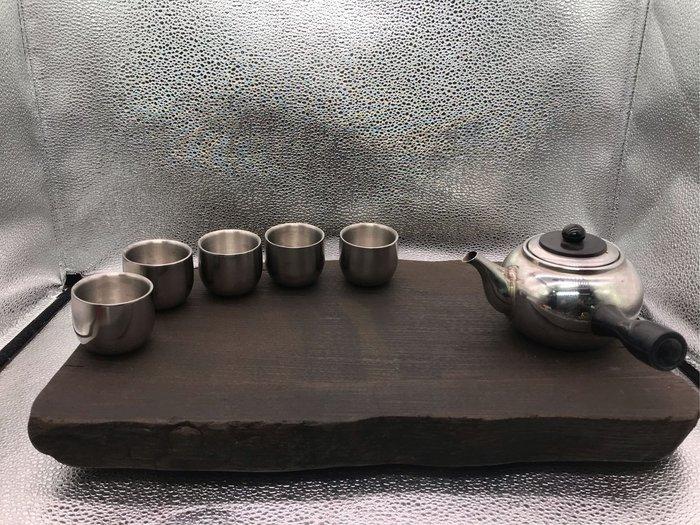 木紋霧面石心茶盤。原皮邊