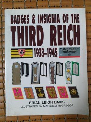 不二書店   BADGES & INSIGNIA OF THE THIRD REICH 1933-1945