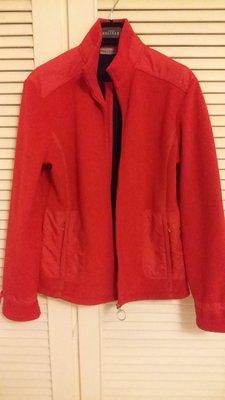 Prada 中國紅刷毛保暖外套