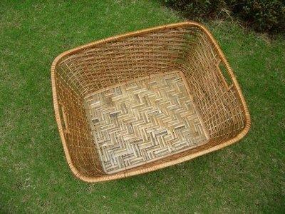 香河竹藝行~~~ 竹編收納置物籃、毛巾衣服雜物籃、寵物籃、菜籃玩具收納籃有手把