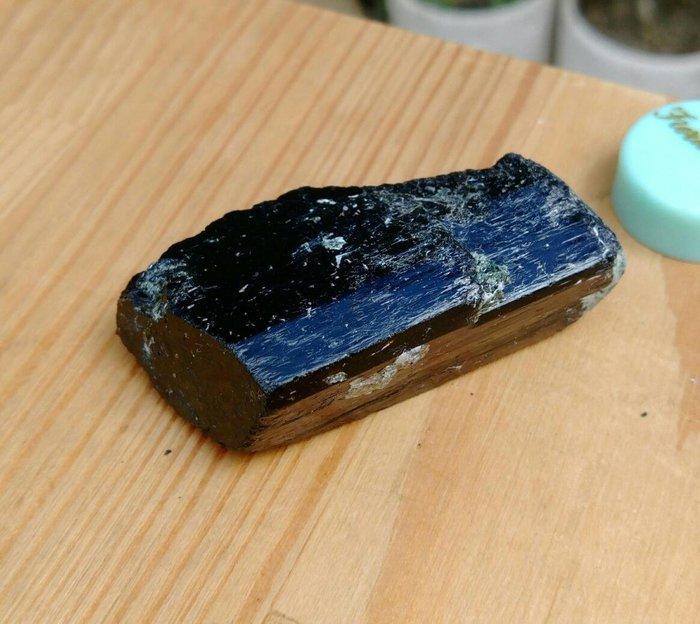老珍藏天然巴西電氣石黑碧璽原礦/電氣石能帶來無限的靈感及思緒,重約45公克,珍藏品便宜出清218元
