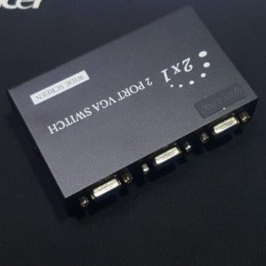 瘋~全新 VGA 切换器 VGA 二進一出 2進1出 兩電腦接單一螢幕 兩臺監控主機分享使用一螢幕 互切
