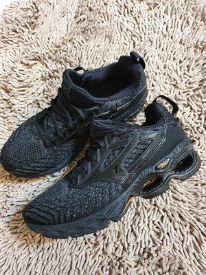 廉售 美津濃頂級慢跑鞋 MIZUNO WAVE CREATION WAVEKNIT 2 DARK SHADOW-BLACK 買到賺到