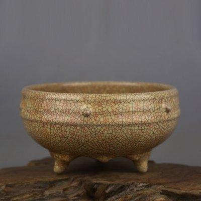 ㊣姥姥的寶藏㊣ 宋代哥窯金絲鐵線鼓釘三足香爐  出土古瓷器手工古玩收藏擺件