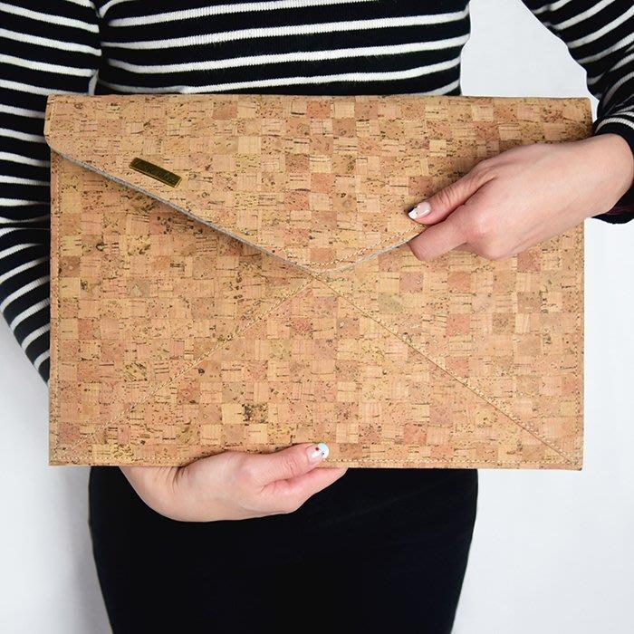 C'est Si Bon|【預購商品。免運】手感軟木手拿包/信封包-經典格紋II