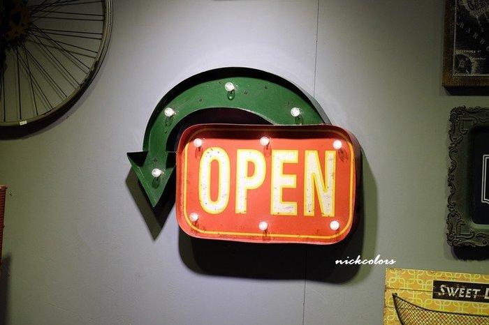 尼克卡樂斯 ~復古作舊OPEN字樣LED燈壁掛裝飾 餐廳咖啡廳牆面掛牌 工業風led燈 擺飾牆飾 鄉村風