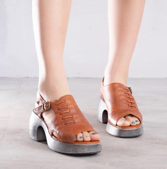 ~皮皮創~原創設計手工女鞋。真皮粗跟涼鞋露趾休閒百搭中跟鞋頭層牛皮坡跟搭扣羅馬鞋